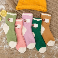 Sheep pattern women wool socks